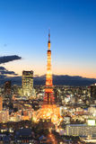 Twilight сцена башни токио в токио Стоковое фото RF