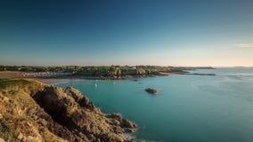 Twilight частный промежуток времени Франция панорамы 4k залива порта яхты видеоматериал
