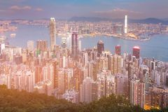Twilight Hong Kong residence downtown view from mountain over Victoria Bay Stock Photography