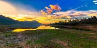 Twilight Landschaft lizenzfreie stockbilder