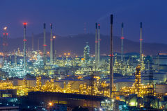 Twilight over oil refinery power plant Royalty Free Stock Photography