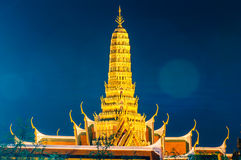 Twilight Temple of the Emerald Buddha Wat Phra Kaew of Bangkok Royalty Free Stock Photos
