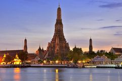 Twilight time of Wat Arun Royalty Free Stock Photos