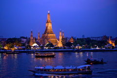 Twilight view of Wat Arun, bangkok, thailand Stock Photos