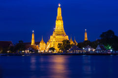 Twilight of Wat Arun Buddhist religious places Stock Photography