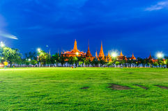 Twilight Wat Phra Kaew, Grand Palace, Bangkok. (View from the lawn or Sanam Luang). Stock Images