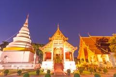 Twiliht watphra singh Chiang Mai Arkivfoto