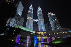 Twin tower Malaysia. The famous tower in Malaysia with dancing fountain Royalty Free Stock Photography