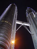 Twin towers. Petronas twin towers in night Stock Illustration