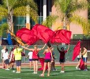 Twirlers de la bandera de la Universidad de California del Sur Imagenes de archivo