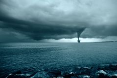 Twister op de oceaan Stock Foto's