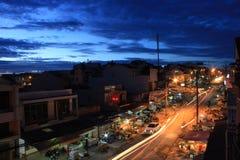 Twitlight в городке стоковая фотография rf