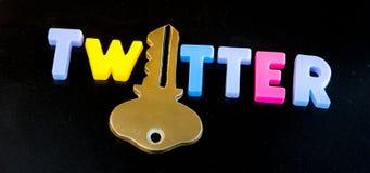 Twitter houdt de sleutel stock foto
