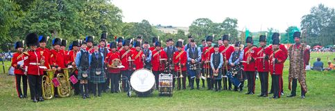 Royal Engineers and Strathpeffer pipe bands Royalty Free Stock Images