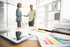 Two business colleagues shaking hands Royalty Free Stock Photography