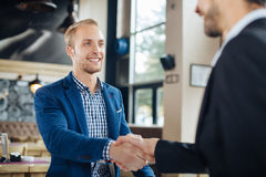 Two businessman shaking hands Royalty Free Stock Images