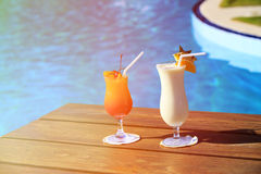 Two cocktails on luxury tropical beach Royalty Free Stock Photos