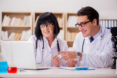 The two doctors working in the lab Royalty Free Stock Photos