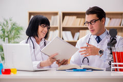 The two doctors working in the lab Royalty Free Stock Images