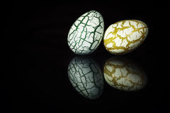 Two easter Eggs with cracks Stock Photography