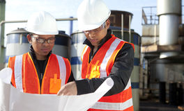 Two engineer on location site disscution Royalty Free Stock Photos