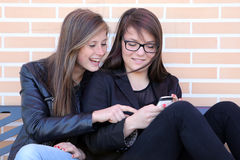 Two_Girl_Phone Royalty Free Stock Images