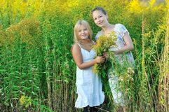 Two girls enjoying the nature Royalty Free Stock Images