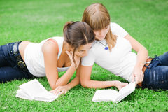Free Two Girls Reading Books Royalty Free Stock Images - 11181609