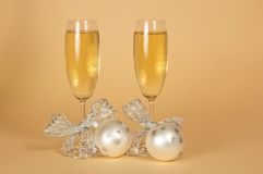Two glasses with the champagne, decorated silver Stock Photography