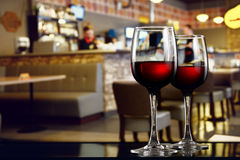 Two glasses of wine Royalty Free Stock Photos