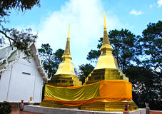 Two golden pagodas in Phra That Doi Tung temple Stock Photos