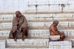 Two hindu pilgrims after bathing in Varanasi Royalty Free Stock Photography