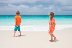 Two kids at beach Royalty Free Stock Photos