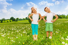 Two kids doing outdoor gymnastics Royalty Free Stock Photography