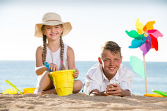 Two kids playing beach Stock Photography