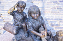Two kids statue Royalty Free Stock Image