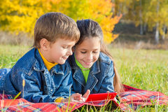 Two kids with tablet PC Royalty Free Stock Photography