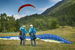Two man with paragliding Royalty Free Stock Photos