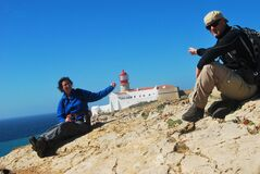 Two oldies pointing out the lighthouse of Cabo de Sao Vicente