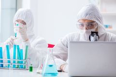 The two scientists working in the chemical lab Royalty Free Stock Photography