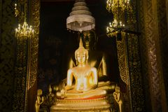 Two sculptures of a seated Buddha in a vihan of a Buddhist temple Wat Bovornniwet Wihan. Bangkok, Thailand Stock Photo