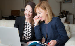 Two succesful business women working. Royalty Free Stock Photos