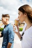 The couple teenage friends with ice cream Royalty Free Stock Photos