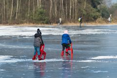 Free Two Toddlers Learning To Skate Stock Images - 111479314