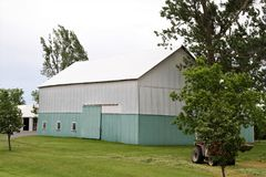 Two-toned colored barn Stock Photos