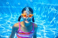 Two underwater girls Royalty Free Stock Images