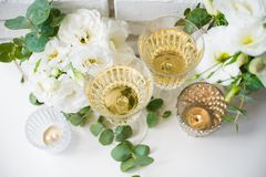 Two vintage glasses of champagne Royalty Free Stock Images
