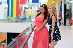 Two woman friends hanging out Royalty Free Stock Images