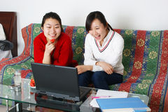 Two women laughing Royalty Free Stock Photography