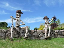 Two wooden people Royalty Free Stock Photos